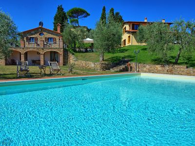 Photo for Stunning villa with private pool and 6 bedrooms located close to Lucignano