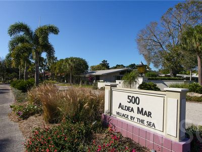 Photo for 2 bedroom, 2 bath, 1st floor condo only steps away from the Gulf of Mexico on Venice Island!