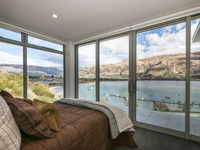 Photo for Amazing views of Wanaka and surrounds, central location.
