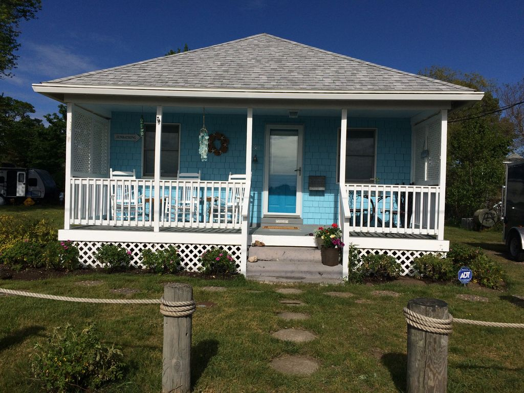 Tranquility And Sunsets At Our Renovated Beach Bungalow Front Porch