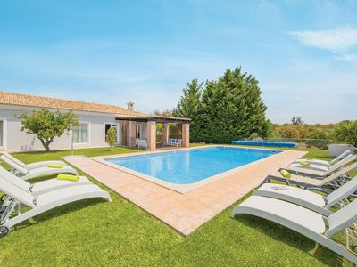 Photo for 5 bedroom Villa, sleeps 10 in Pereiras with Pool, Air Con and WiFi