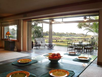 Dining Area & Lanai W/Golf Course Front