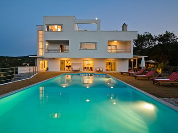 Luxury 5* villa / infinity large pool / tennis court / amazing view / concierge