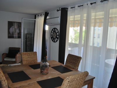 Photo for Large apartment south facing Marseille near beaches, coves and park.