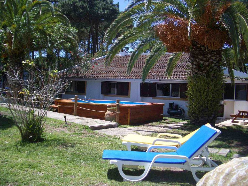 House 150 square meters, close to the sea , Fontanelas, Portugal