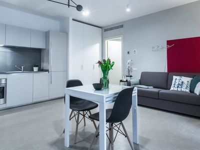 Photo for Porta Volta apartment in Centro Storico with WiFi, air conditioning & lift.