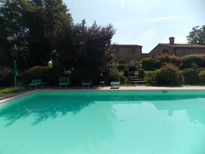 Photo for Private Villa with WIFI, pool, TV, washing machine, pets allowed, parking, close to Montepulciano