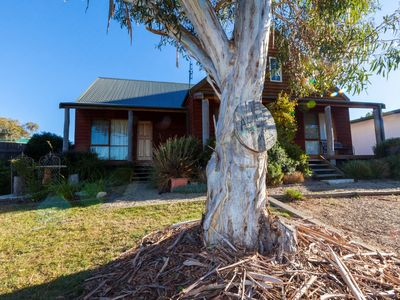 Photo for Aarlaur 1- Loft Style Townhouse in Jindabyne