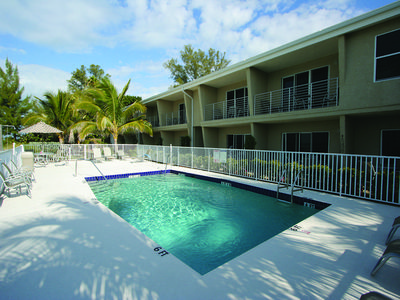 Photo for The Beach on Longboat Key #221S: 3 BR / 3 BA Resort on Longboat Key by RVA, Sleeps 8