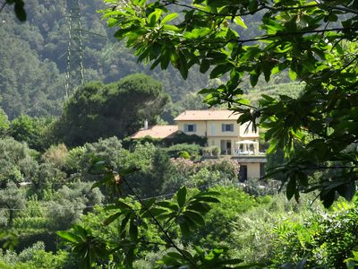 Photo for Villa surrounded by vines with swimming-pool and panoramic views