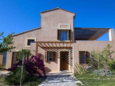 Photo for 2 bedroom Villa, sleeps 4 in Ano Arhanes with Pool, Air Con and WiFi