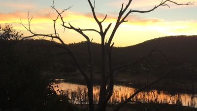 Photo for Lake Eildon View on Anchorage Goughs Bay - walk to Lake (short drive Mt Buller)
