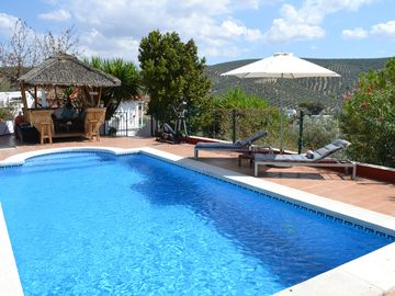 Beautiful Cottage in Idyllic Location. Fantastic Pool, Air-Con and Free WiFi