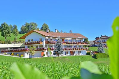 Ski In / Ski Out Apartment With Patio, Sauna, U0026 Jacuzzi; Pets Allowed,  Parking Available   Maranza