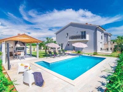 Photo for Villa Maya ***** heated pool, 400 m from the sea, barbecue, WiFi, bicycles