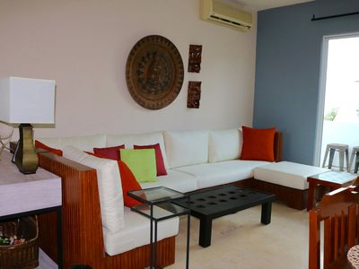 Photo for Stylish 2 Bed- 5th Ave, beach, pool