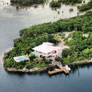 Photo for Charming and Secluded Home on the Bay with Pool, Dock, Views.