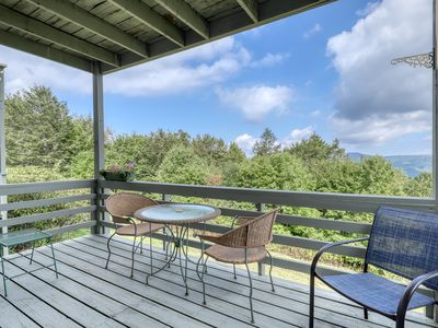 Photo for Dog friendly Sugar Mountain condo w/ new wood flooring & quick access to trails
