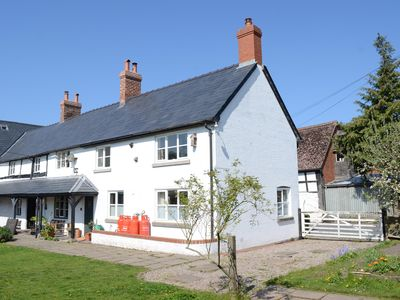 Photo for Little Holme - family- and pet-friendly spacious annexe close to amenities