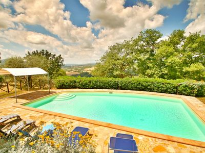 Photo for Large Country Villa Private Pool Views Over Umbrian Countryside, Free wifi