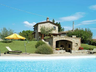 Photo for Experience the real Italian life in this gorgeous villa with private pool