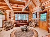 Complete privacy with 2 King size beds and Creeks