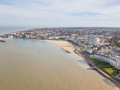 Photo for 1 bedroom accommodation in Margate