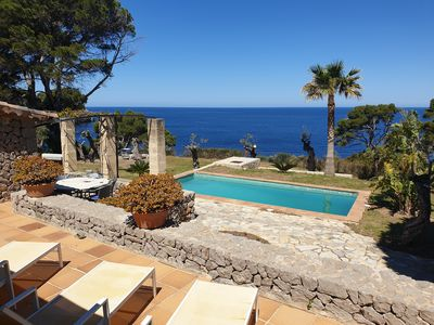 Photo for Beautiful house 4 bedrooms, pool, garden and direct descent to the sea