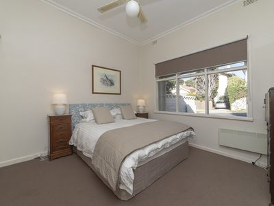 Photo for Toorak house. Family Accomodation. Garden, OS parking and pets