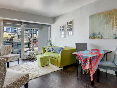 Chic Condo w/views & designated parking in Downtown Seattle @ Pike Place Market