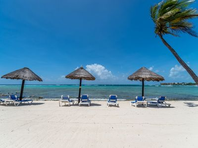 Photo for Beachfront Condo great for families - Great Snorkeling, AC, Wifi