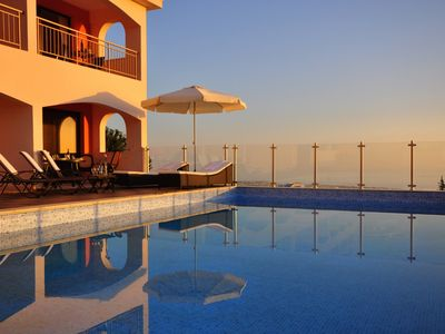 Eagle's View, Tala: Stunning with panoramic sea views over the Coral Bay beach