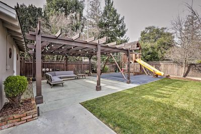 A group of 6 will love this property, which includes a backyard & swing-set!