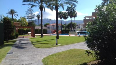 Photo for Top-quality 2 bedroom apartment in great location on small gated complex Denia.