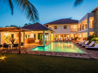Stunning 5 bedroom luxury villa in Casa de Campo with private pool, book now for the best rates.