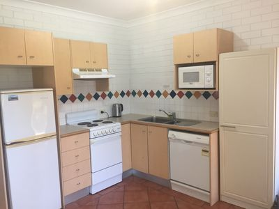 Photo for 1 bedroom resort unit close to Surfers Paradise