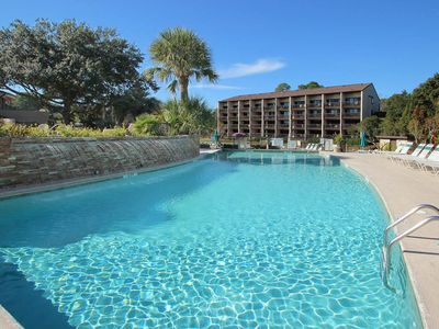 Photo for Cozy oceanfront villa, tennis courts, hot tub, shared pool and ocean view!