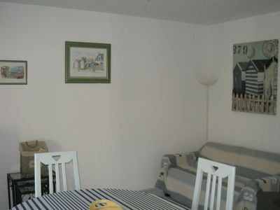 Photo for Ground floor apartment with terrace, 200 m from shops, 800 m from the beach.