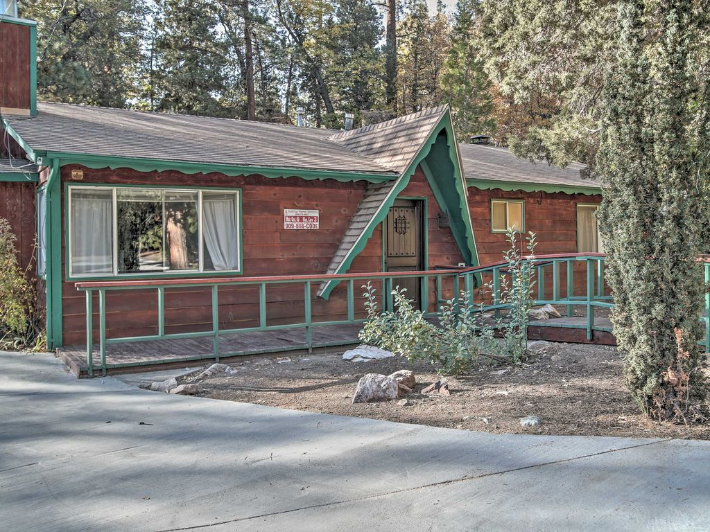 3br Big Bear Cabin W Private Hot Tub Homeaway Moonridge