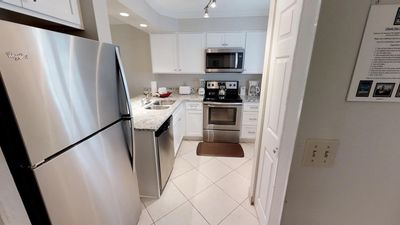 Photo for Unit 605 - Gulf  View East Gold Unit Complimentary Beach Service!