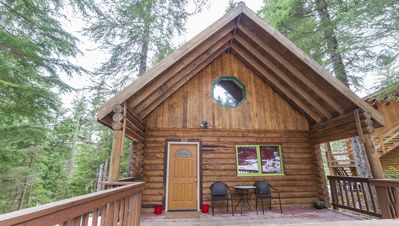 Photo for Cozy Log Cabin In The Forest Near Alyeska