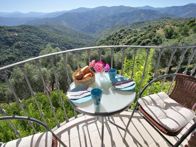 Photo for A hideaway surrounded by nature, ideal for couples, Free Wifi