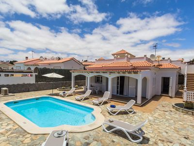 Photo for Family villa close to golf resort with a heated pool and free Wi-Fi