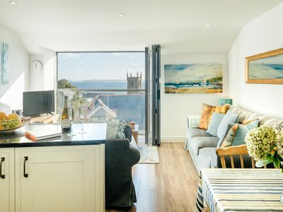 Photo for Contemporary hideaway, overlooking Trewyn Gardens, in central St Ives