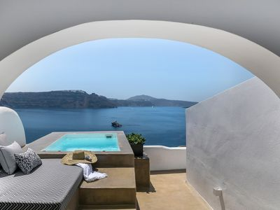Photo for '3 Caves suite' with hot tub in Oia