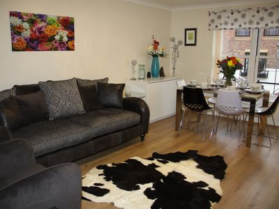 Photo for City Centre Apartment with Riverside Walks and Free Parking - CH20SI