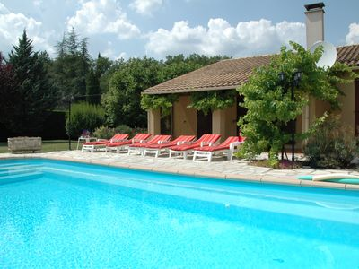 Photo for Large Provencal villa with all comfort with private pool and beautiful garden