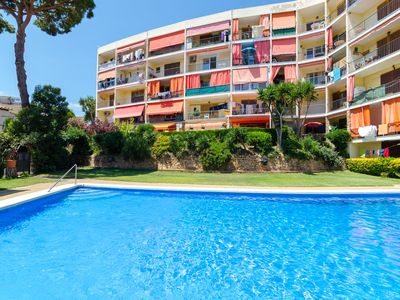 Photo for Club Villamar - Newly refurbished apartment with sea views, access to the shared pool and it´s lo...