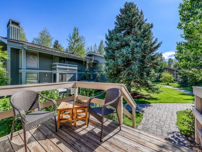 Photo for Charming Sun Valley condo w/ shared pool & hot tub access - close to Dollar Mtn!