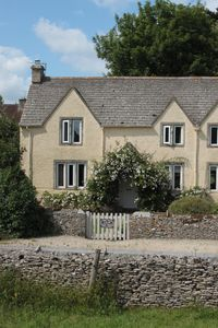Photo for Lilac Cottage, nr Bibury, private enclosed garden,cosy, woodburner pet friendly